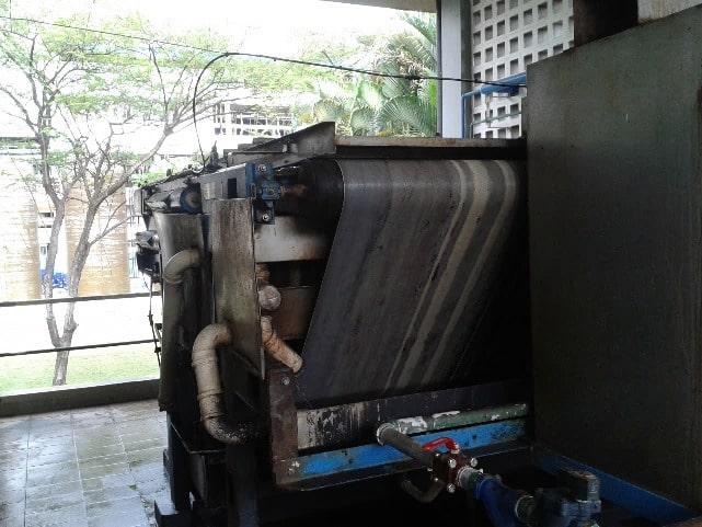 Substituição de equipamento para desidratação de lodo em indústria química 1